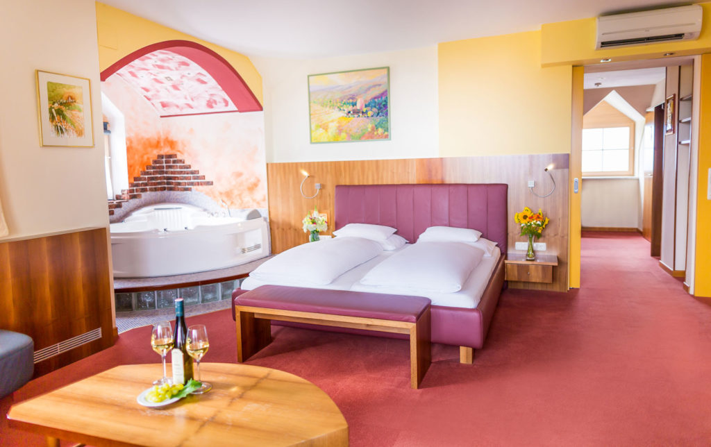 weinwellnesshotel-kappel-dreamingmoment-suite-1
