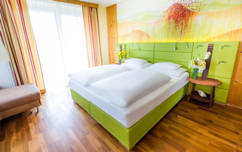 weinwellnesshotel-kappel-landhauszimmer-urgestein-3